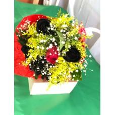 Ramo de 5 rosas negras 1 rosa roja
