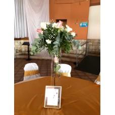 Centro de Mesa Alto con Jarron y Flores