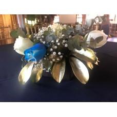 Centro de Mesa con Flores en Caja Rustica
