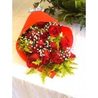 Ramo 12 Rosas  arregladas con Papel Decorativo