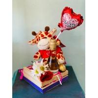 Arreglo en Caja de Madera con Peluche, mini Vino, Rosa y Chocolate