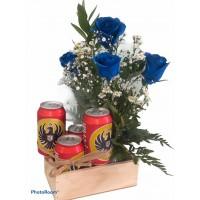 Arreglo Caja Rustica 4 Rosas Azules Decoradas y Cerveza