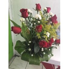 Arreglo Floral 12 Rosas