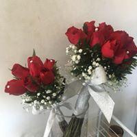 Bouquet 20 Rosas Rojas Perlas y Gipsofilia con Replica