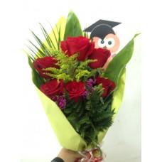 Ramo de 6 Rosas Arregladas con Buho para Graduacion