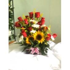 Arreglo Floral 18  Rosas 3 Girasoles